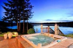 How to Beat the Winter Blues Away - Hottub