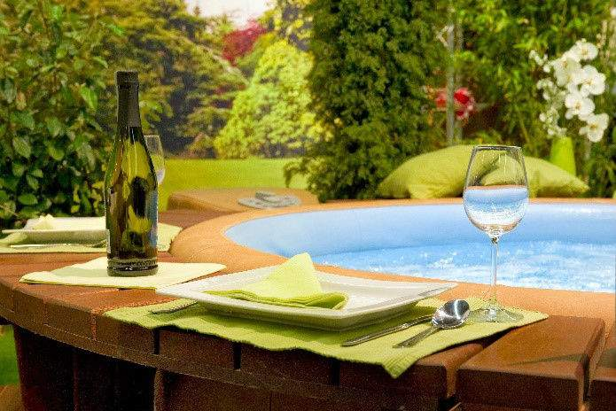 Spring Hot Tub Patio Decorating Ideas 4