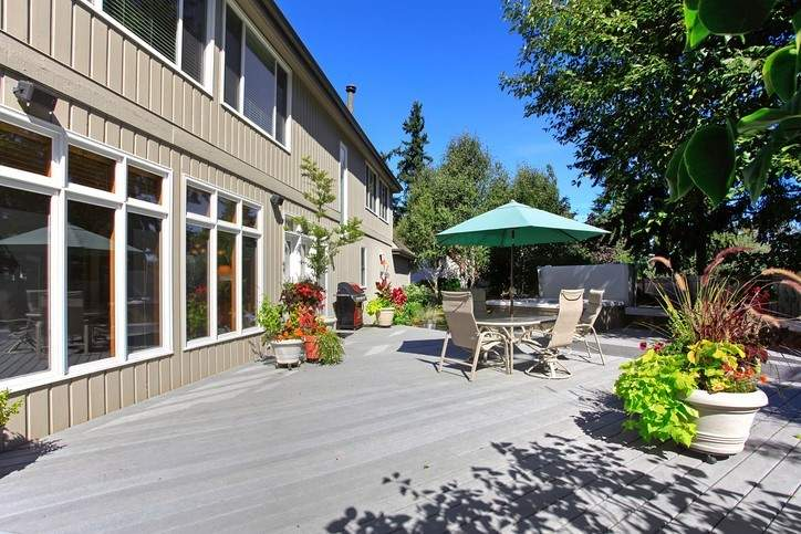 back yard patio decorating ideas with a hot tub
