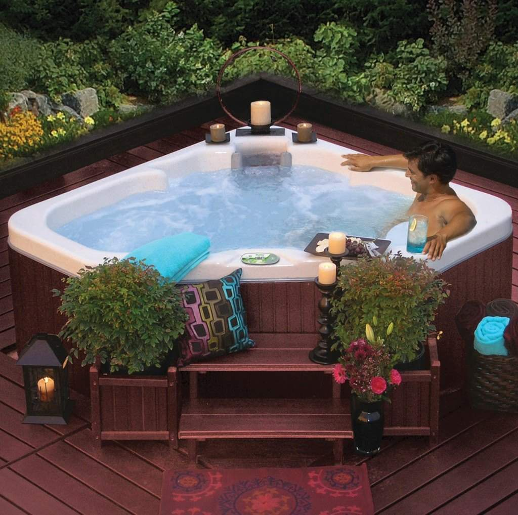 back yard decorating with your hot tub