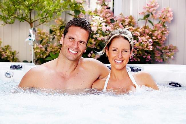Benefits of a Luxury Hot Tub With The One You Love