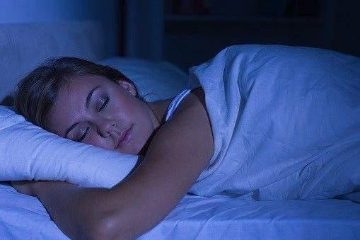 how hot tubs can help with sleep